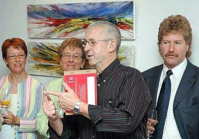 Am 15. September lud Rot. Jals Smolinski Rotarier/-innen und Bekannte zur Vernissage seiner Gemäldeausstellung «Auf den zweiten Bl k» im Seedamm Plaza, Pfäffikon SZ, ein.