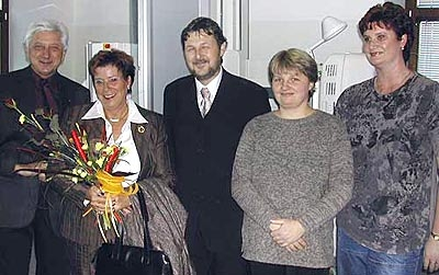 Ursula Stoll (2. v. l.) in der Radiologie Frenstat, 18. Oktober 2004