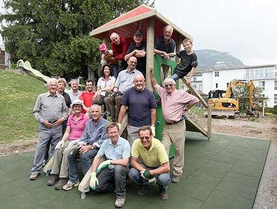 Gemeindienstprojekt: Sanierung Spielplatz Hirschi, Schwyz, 29./ 30. April 2011